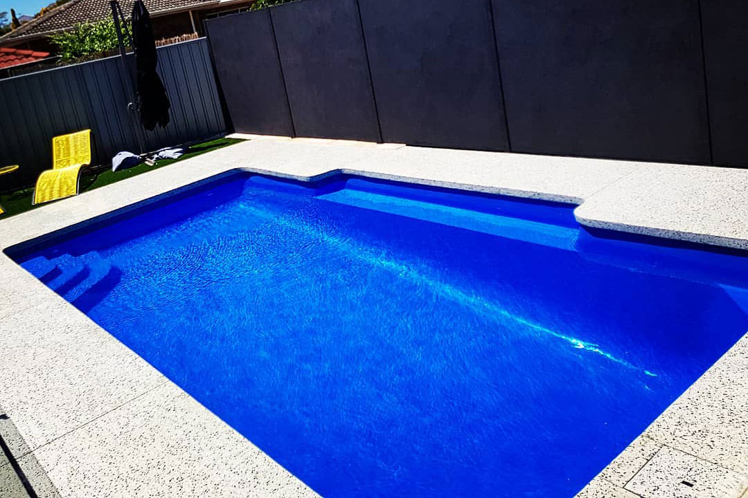 pool in perth with seamless edge